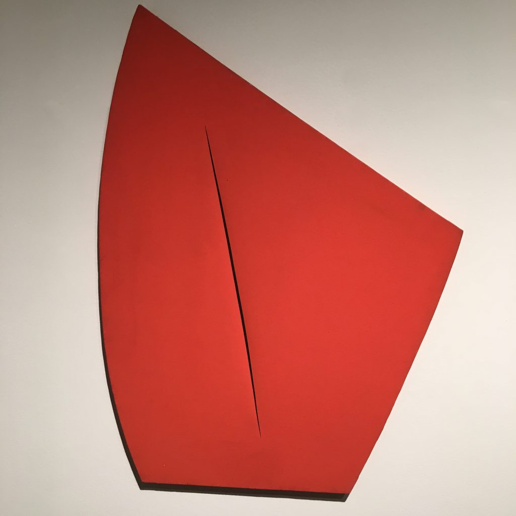 Red shape slash, Lucio Fontana