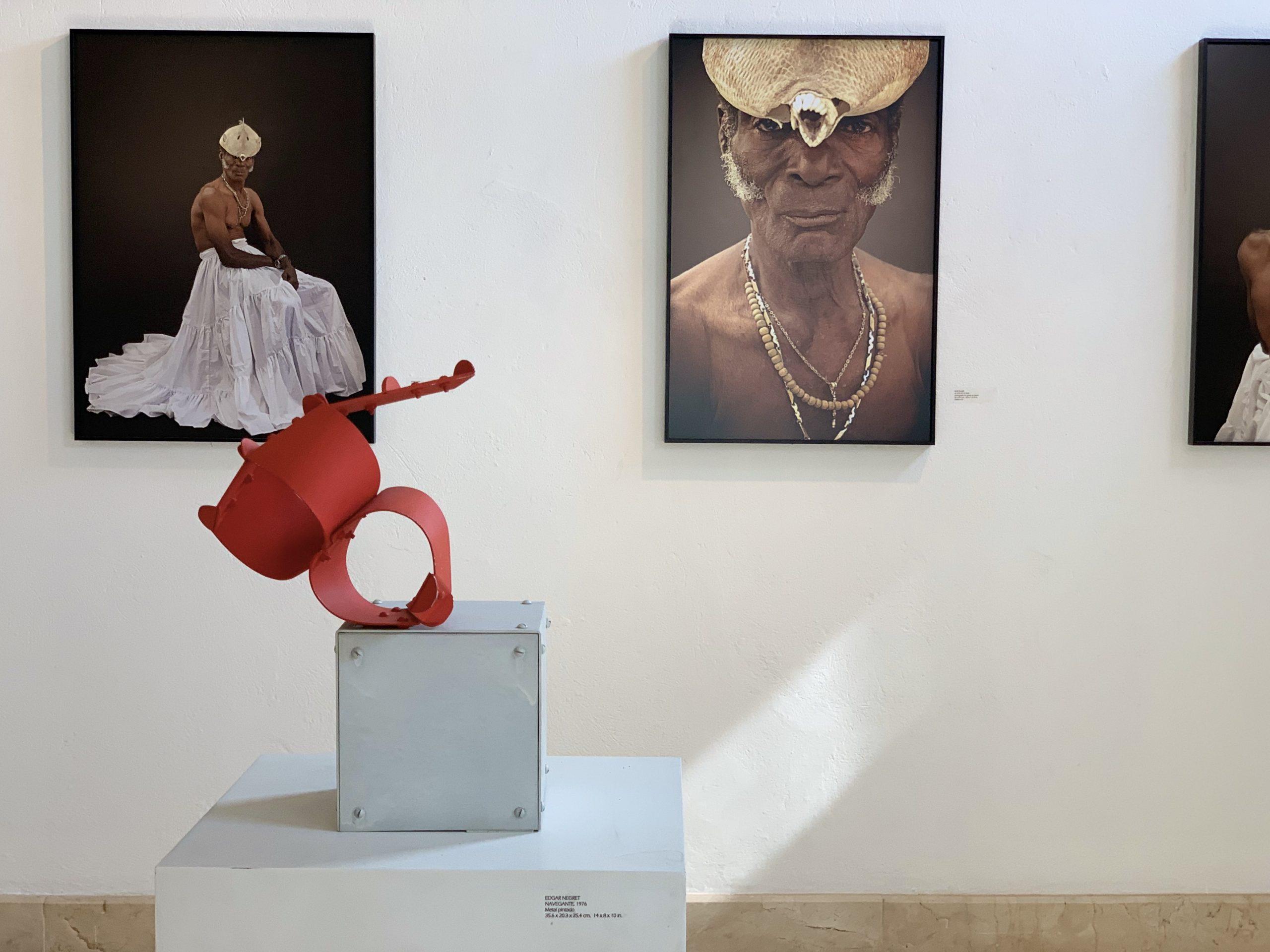 "Edgar Negret's ""Navegante"" in Cartagena"