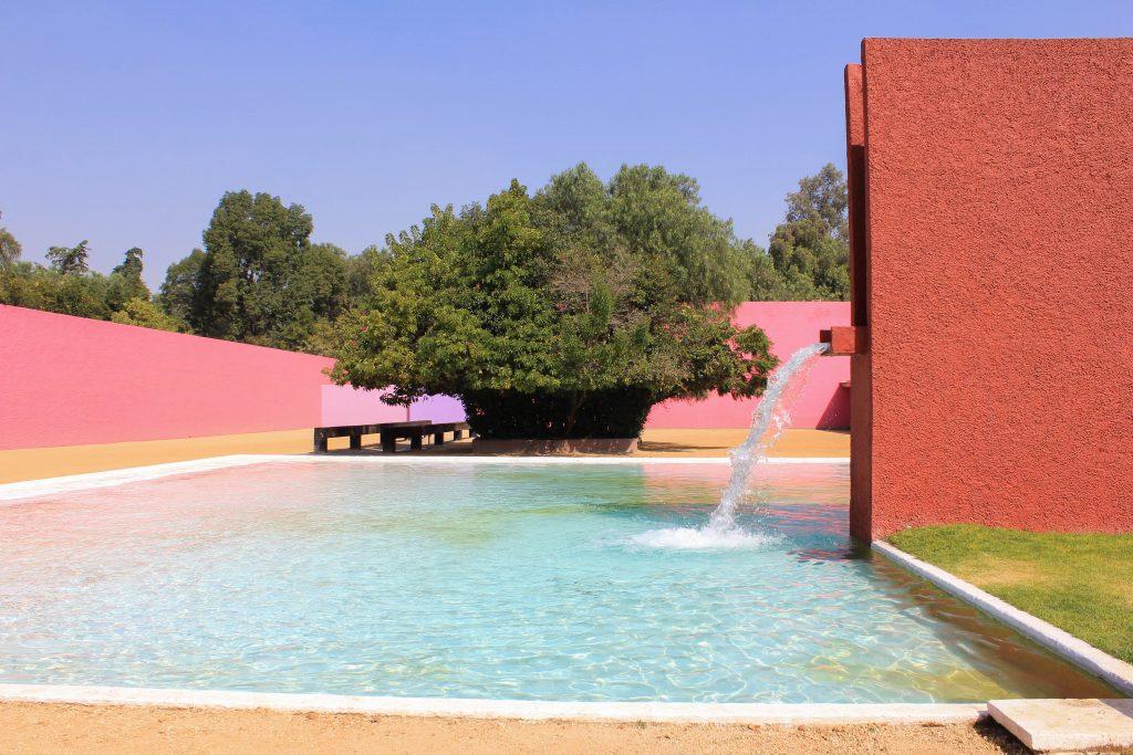 The water pool at Cuadra San Cristóbal