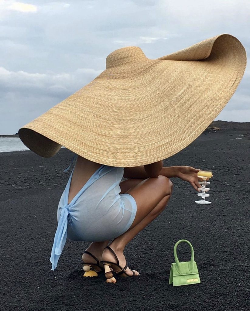 Jacquemus La Bomba hat