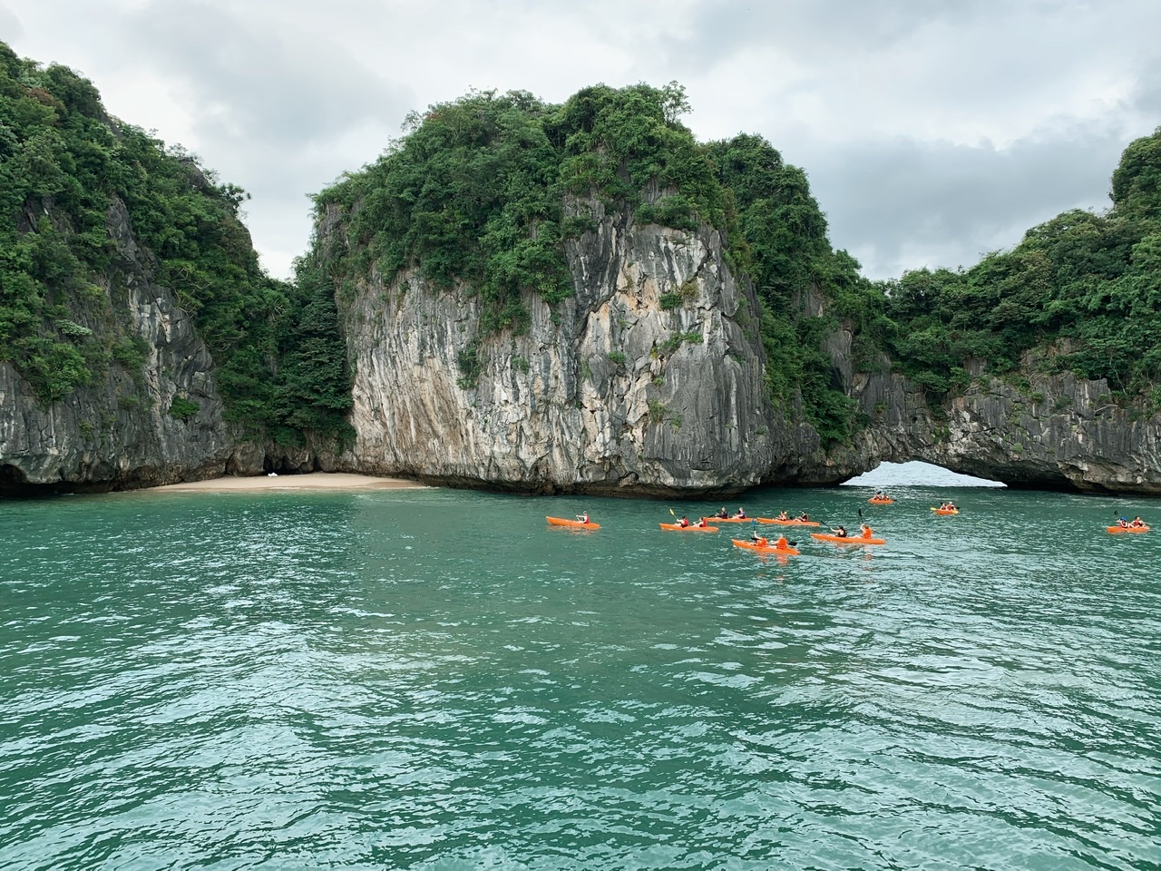 Halong Bay - Kayaking