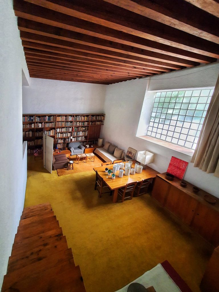 The library of Luis Barragán