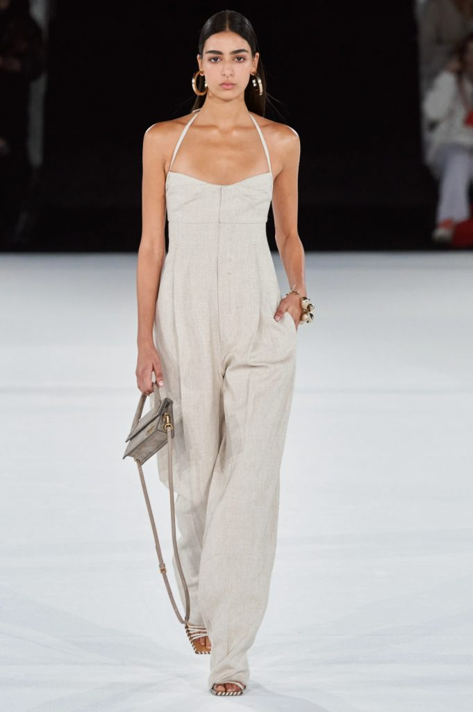 The linen Jacquemus jumpsuit.