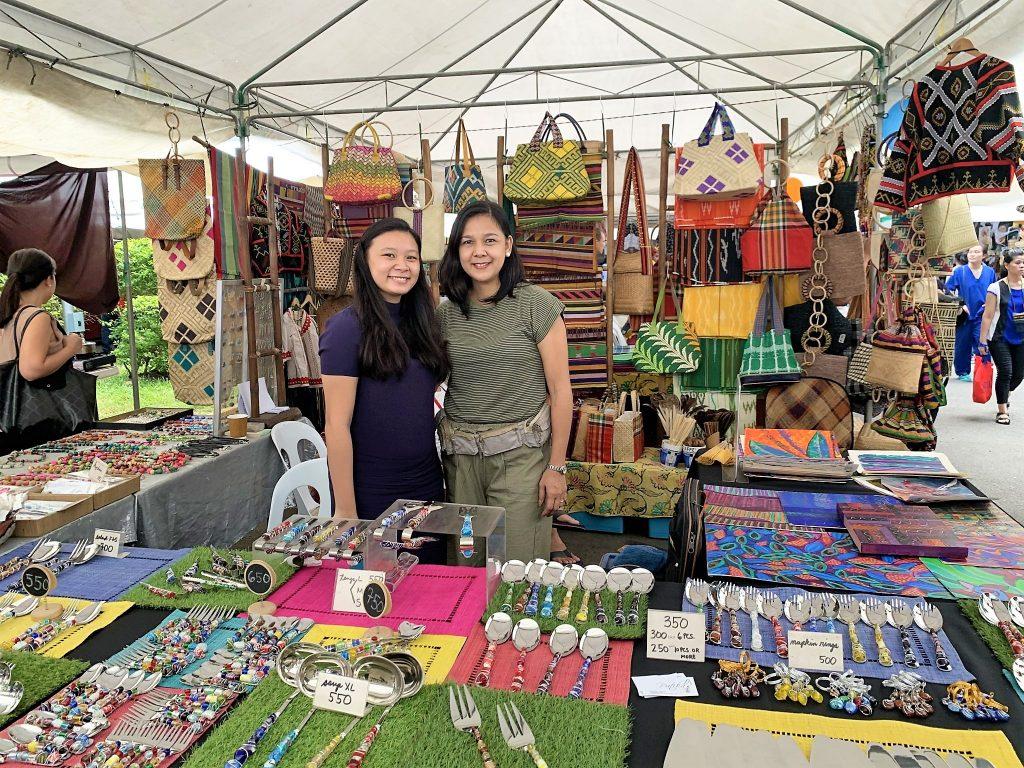 Legazpi Sunday Market vendors Mom and daughter