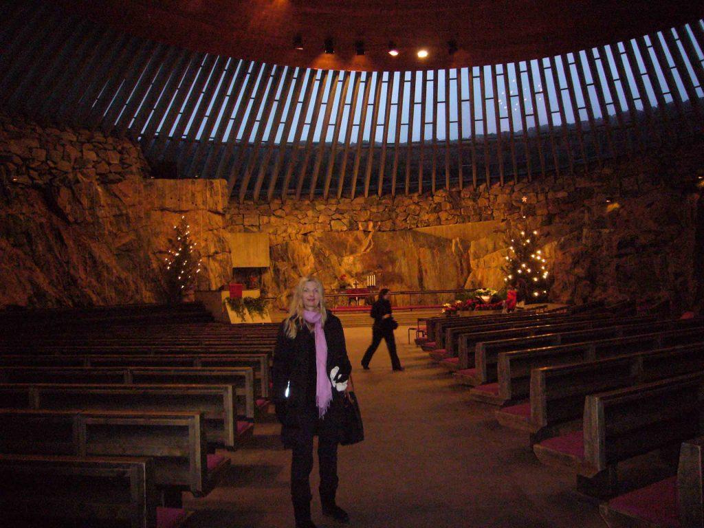 Tijana inside the Temppeliaukio Church at Christmas time.
