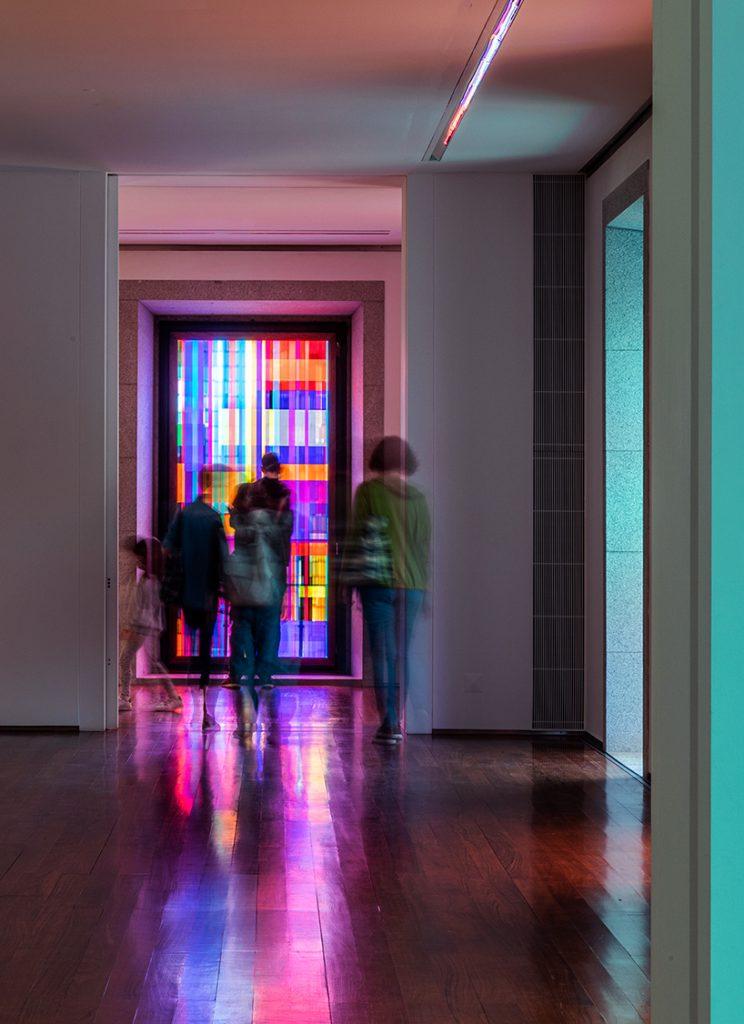 Visitors at STRATA at the Fundação Eugénio de Almeida Portugal - Deanna Sirlin Exhibition