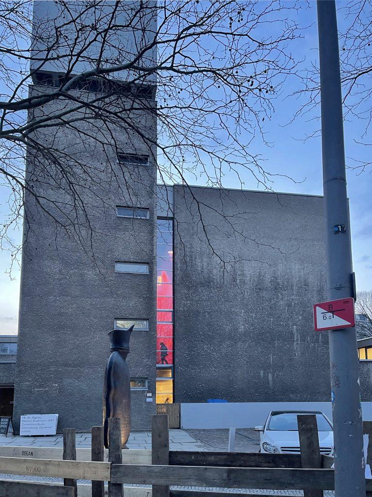 Exterior architecture of Koenig Galerie (KÖNIG GALERIE) in Berlin.